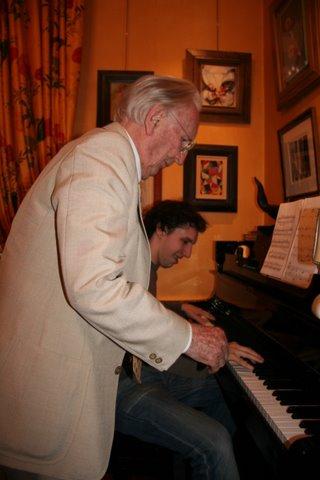 Pierre Drouin prêt à en découdre au piano avec son petit-fils